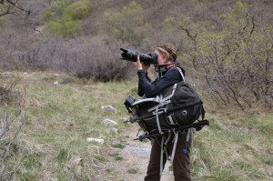 This bag handles the longer 70-200 lens, which is a great benefit for the avid nature and wildlife photographer.
